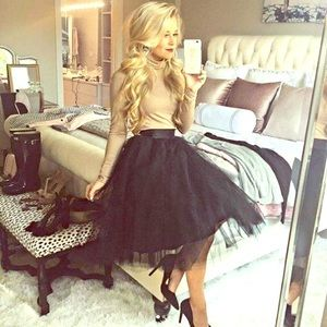 Dresses & Skirts - Tulle black skirt😍